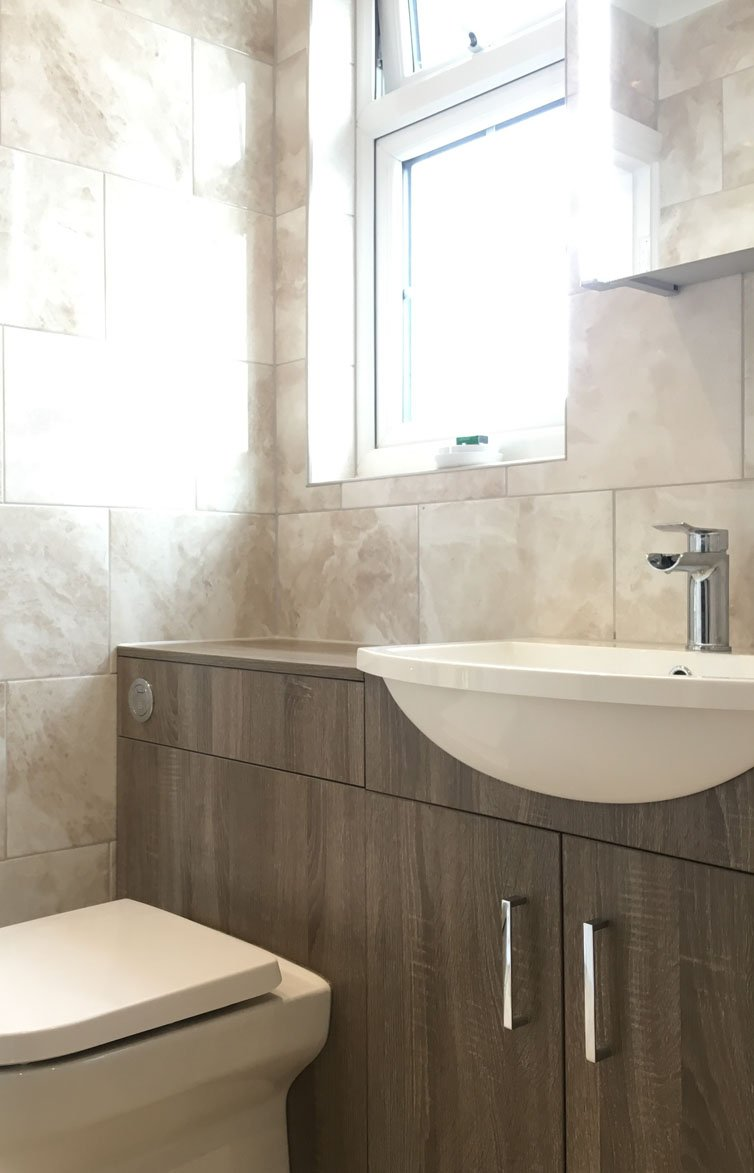 Newbury Park en-suite Bathroom